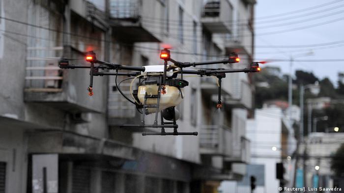 BG Einsatz von Robotern und Drohnen in der Corona-Krise | Chile (Reuters/J. Luis Saavedra)