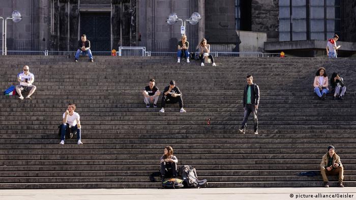 Symbold Mindestabstand Köln