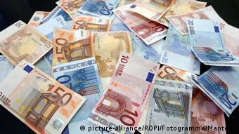 EU Corona Bonds Symbolbild (picture-alliance/ROPI/Fotogramma/Mantero)