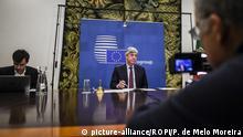 Portugal Lissabon Präsident der Euro-Gruppe Mario Centeno während Videokonferenz