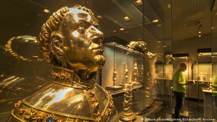 goldene Reliquienbueste des Heiligen Markus, Domschatz Essen, Deutschland(picture-alliance/Dumont Bildarchiv/M. Kirchner)