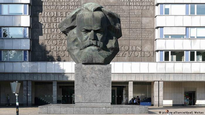 Karl Marx Monument, Chemnitz, Germany (picture-alliance/dpa/J. Woitas)