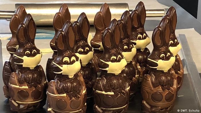 Шоколадные зайцы с масками