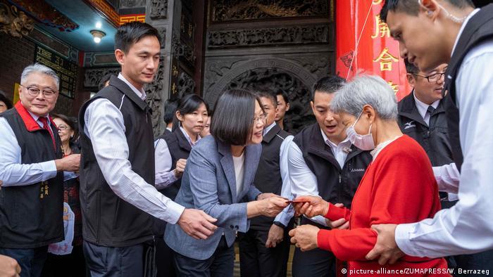 Taiwan President Tsai Ing-wen (picture-alliance/ZUMAPRESS/W. Berrazeg)