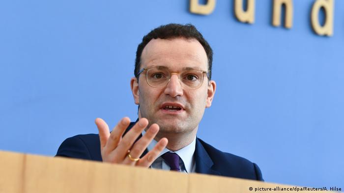 Deutschland Berlin Coronavirus Pressekonferenz | Jens Spahn (picture-alliance/dpa/Reuters/A. Hilse)