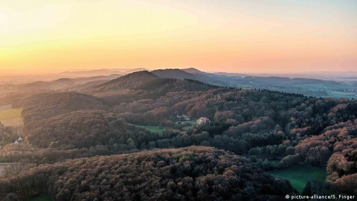 Aerial view of Teutoburg Forest in twilight, Osnabrück, Germany (picture-alliance/S. Finger)