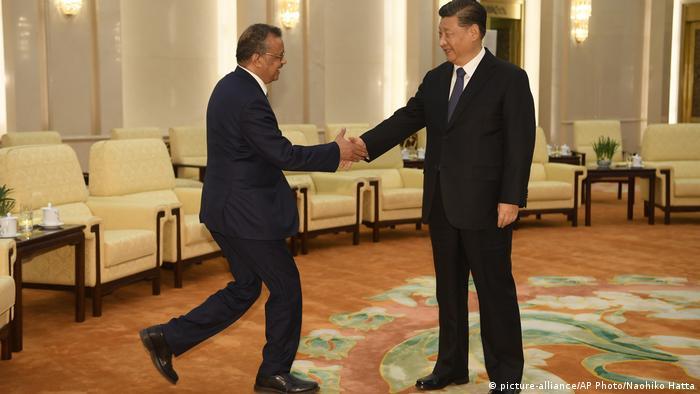 China Tedros Adhanom und Xi Jinping (picture-alliance/AP Photo/Naohiko Hatta)
