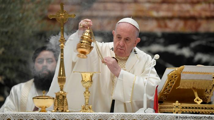 Vatikan Papst eröffnet Osterfeierlichkeiten (Reuters/Vatican Media )