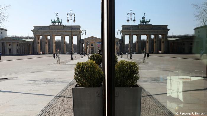 BG Deutschland steht still | Brandenburger Tor (Reuters/F. Bensch)