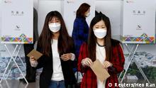 Südkorea   Parlamentswahlen - Wahllokal in Seoul