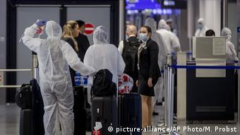 Coronavirus | Deutschland | Flughafen Frankfurt am Main (picture-alliance/AP Photo/M. Probst)