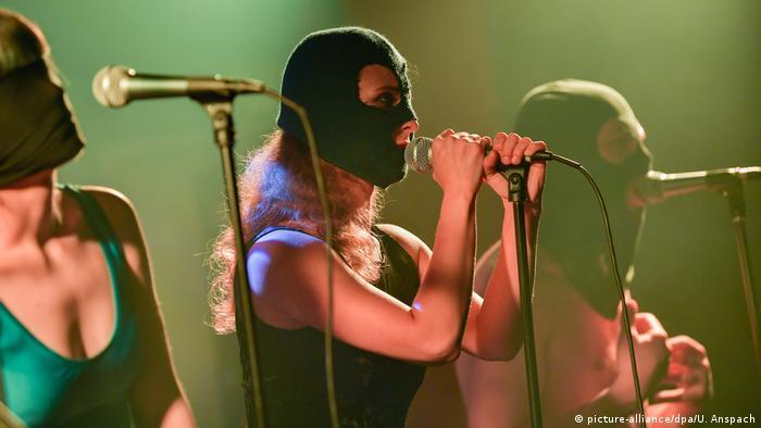 Maria Aljochina, de la banda Pussy Riot, en una actuación den Ludwigshafen, Alemania. (26.01.2019).