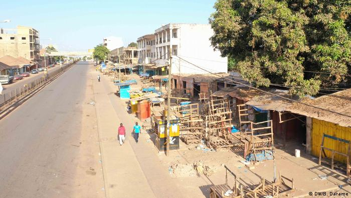 Ruas praticamente desertas em Bissau devido ao estado de emergência