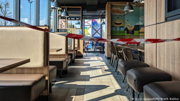 Foto restoran yang ditutup selama lo0ckdown corona   geschlossenes Restaurant (Imago-Images/ZUMA Wire/S. Babbar)