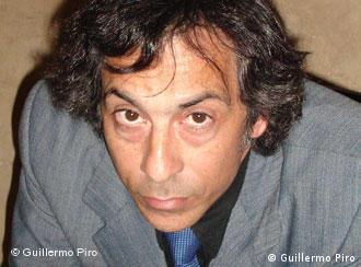 Guillermo Piro (Buenos Aires, 1960), es escritor y periodista.