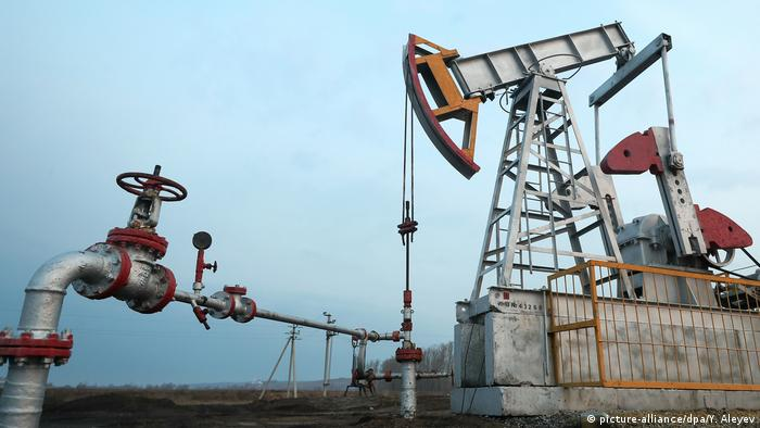 Нефтяная вышка в Татарстане, Россия