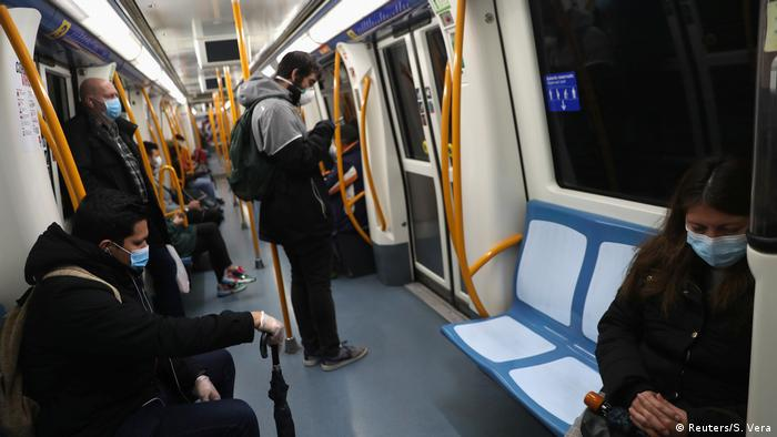 Spanien Ausgangssperre Arbeit Coronavirus (Reuters/S. Vera)