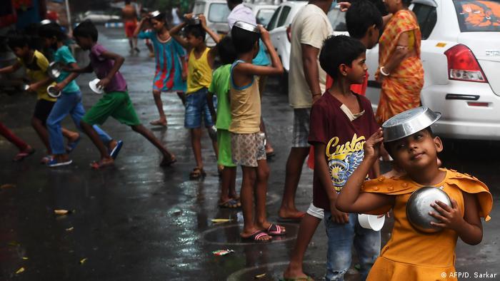 La pobreza y el hambre que causan la pandemia de coronavirus podría matar a 10.000 niños por mes, según Unicef.
