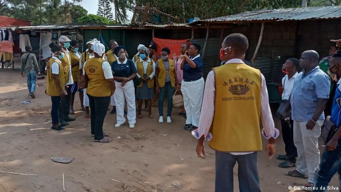 Coronavirus Mosambik Maputo NGOs informieren über Covid-19 (DW/Romeu da Silva)