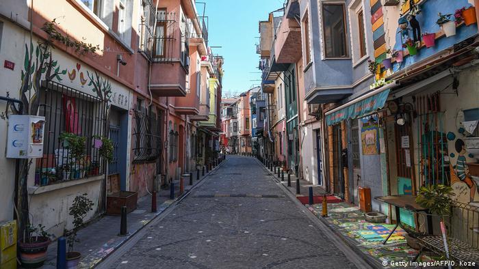 Türkei Istanbul | Coronavirus & Ausgangssperre | Balat-Viertel (Getty Images/AFP/O. Koze)