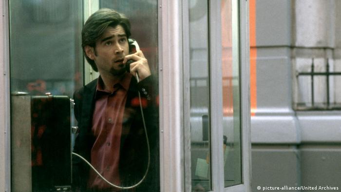 Filmstill Nicht auflegen! (picture-alliance/United Archives) – Mann in Telefonzelle