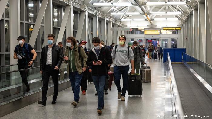Россияне вылетают домой из Нью-Йорка