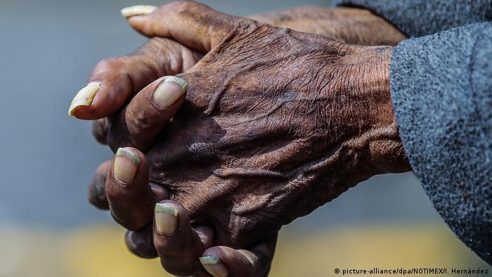 Entre los más afectados por el coronavirus y su mal manejo en México se encuentran las personas provenientes de comunidades rezagadas social y económicamente.