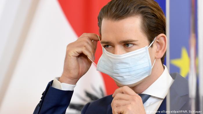 Sebastian Kurz mit Schutzmaske (picture-alliance/dpa/APA/R. Schlager)