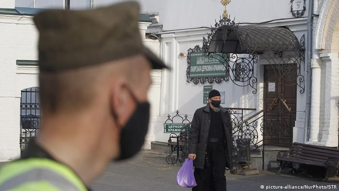 Серед братії монастиряна території Києво-Печерської лаври щонайменше 68 осіб захворіло на COVID-19