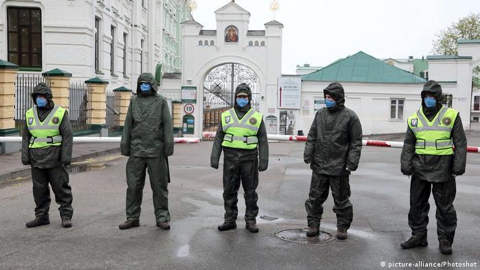У Києво-Печерській лаврі - майже сто випадків захворювання на COVID-19, двоє монахів померли
