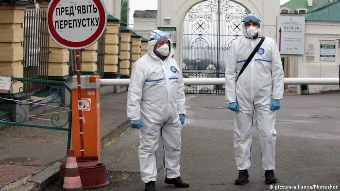 Пандемія коронавірусу стала приводом для того, аби зупинити трудову міграцію з України