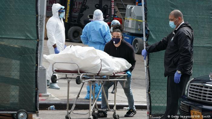 تتصدر الولايات المتحدة قائمة الوفيات والإصابات بفيروس كورونا المستجد