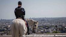 (200414) -- PARIS, April 14, 2020 () -- A gendarme patrols at Montmartre in Paris, France, April 13, 2020. France would remain under a nationwide lockdown until May 11 to stem the spread of COVID-19 and reduce its impact on domestic health institutions, President Emmanuel Macron said on Monday evening. (Photo by Aurelien Morissard/) |