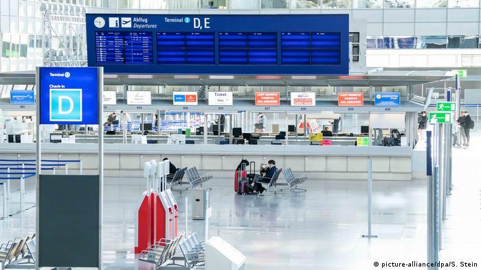 Deutschland Coronavirus Flughafen Frankfurt (picture-alliance/dpa/S. Stein)