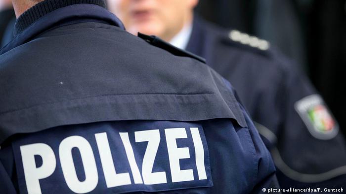 Symbolbild NRW-Polizisten