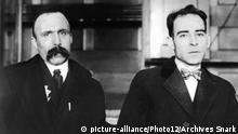 Sacco and Vanzetti after they have been arrested 20th century United States Washington. National archives   Verwendung weltweit, Keine Weitergabe an Wiederverkäufer.