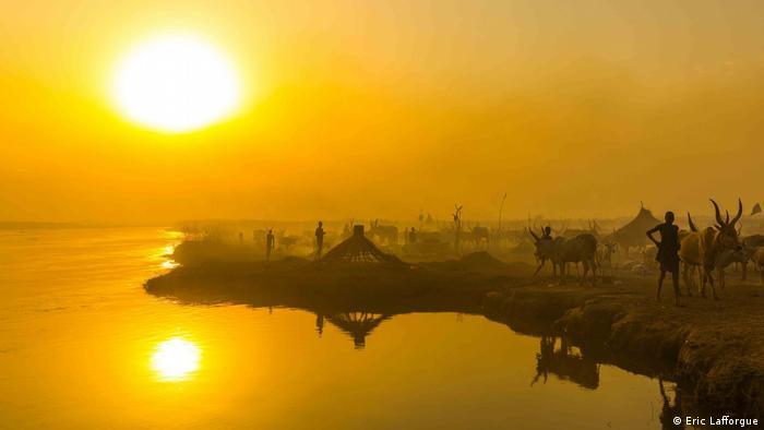 The Mundari camp at sunset.