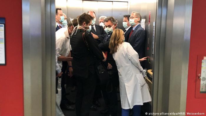 Πανδημία: Υποχρεωτική χρήση μάσκας σε ασανσέρ, Γκίσεν