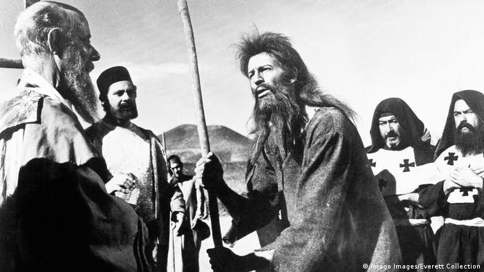 Filmstill Simon in der Wüste von Luis Buñuel (Imago Images/Everett Collection)
