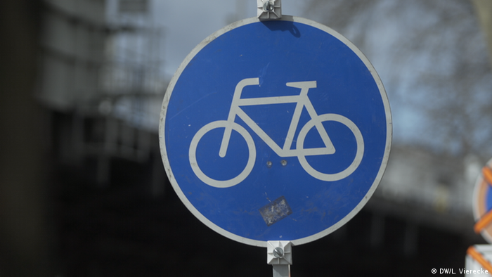 A bike lane sign in Berlin