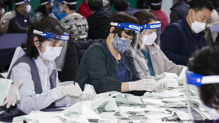 Südkorea Parlamentswahlen Stimmenauszählung