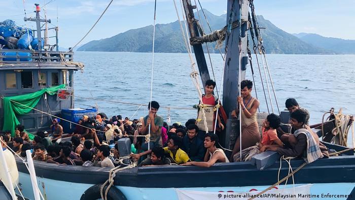 Malaysia Rohingya aufgegriffenes Flüchtlingsboot