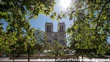 (200415) -- PARIS, April 15, 2020 () -- Restoration work on the Notre Dame Cathedral is at a standstill during the containment period caused by COVID-19 outbreak, in Paris, France, April 15, 2020. The cathedral in central Paris caught fire on April 15 last year. (Photo by Aurelien Morissard/) |