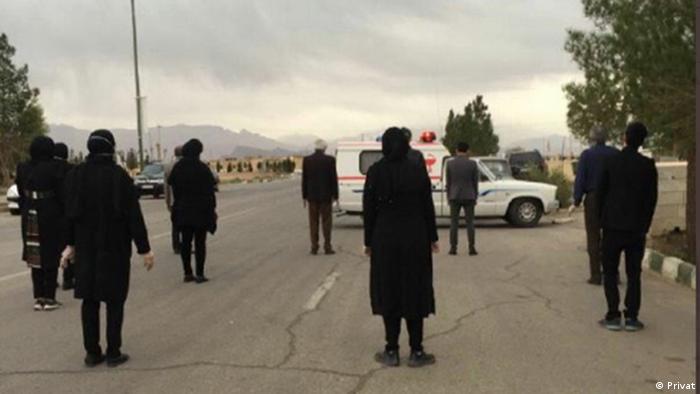 Držanje distance je jedna od mjera prevencije koje se pridržavaju i u Iranu