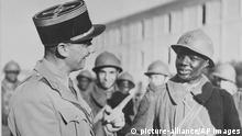 Senegal Französischer Offizier mit Kolonialsoldat