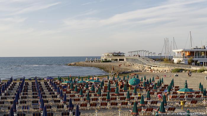 Strand von Rimini - Cattolica an der Adria, Provinz Rimini, Emilia-Romagna, Italien, Europa