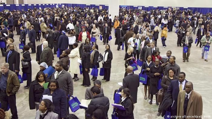 ABD'de geçen hafta 5 milyon 200 bin kişi işsizlik yardımı için başvurdu