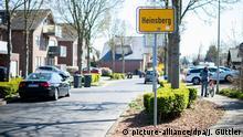 Deutschland Corona-Pandemie | Hotspot Heinsberg | Ortseingangsschild