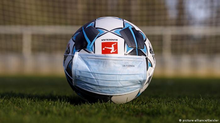 Symbolbild Absage Bundesliga wegen Coronavirus
