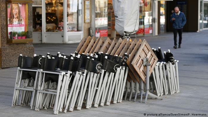 A restaurant in Munich with all its tables bunched together